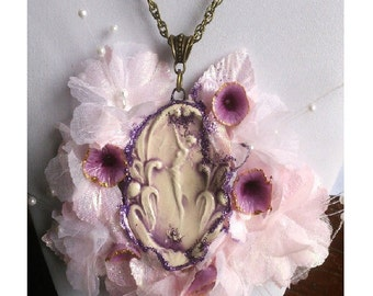 "Necklace Pink and mauve ceramic art nouveau ""the bath of the nymph Daphne with cold porcelain flowers"