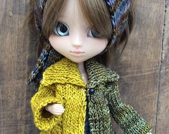 Two-tone, hand-knit jacket, ocher and khaki, for Pullip dolls or similar