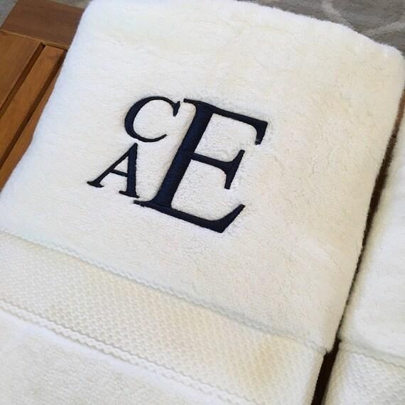 Bath Towels, Monogrammed Bath Towel Set, Personalized Towels, Monogrammed Linens, Home Decor, Wedding Gifts, Housewarming Gifts, Housewares