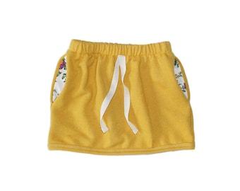 pocket skirt in mustard