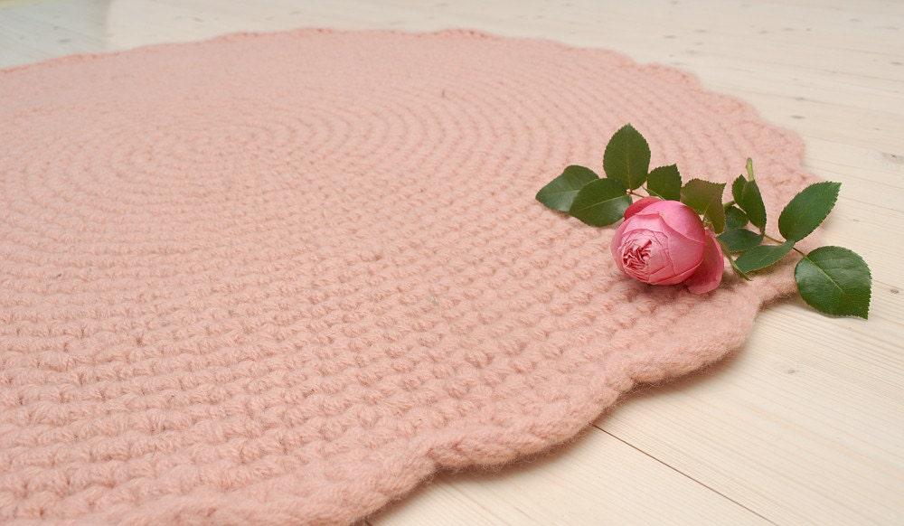 pink rug round crochet wool rug nursery rug baby girl room. Black Bedroom Furniture Sets. Home Design Ideas
