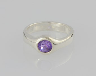 Ring • • Amethyst sterling silver