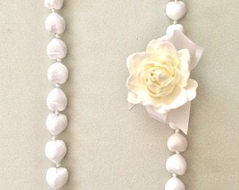 Gardenia Hawaiian lei/ white