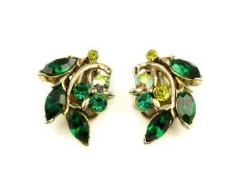 Vintage Emerald Green Glass Rhinestones Gold Tone Metal Earrings  1970s