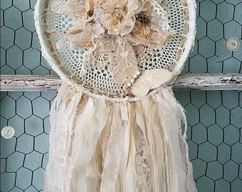 Dream Catcher, Shabby Dream Catcher, Doily Dreamcatcher, Beach Wedding, Boho Bedroom, Woodland Nursery, Butterfly Wall Hanging Decor