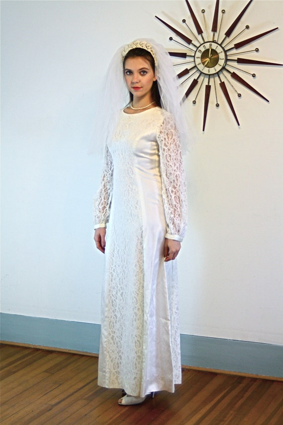 70s wedding dress, Simple Wedding Dress, Vintage wedding dress, Modest wedding dress, Long lace Sleeves, 80s Wedding dress, Satin Lace Dress