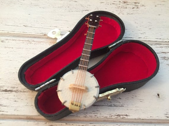 "Miniature Banjo with Case, Dollhouse Miniature, 1:12 Scale, Miniature Music, Dollhouse Accessory, Decor, Mini 3"" Banjo, Instrument"