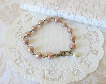 Vintage Style Glass Pearl Bracelet, Vintage Pearl Link Bracelet, Clasp Bracelet, Antique Inspired Beaded Bracelet, Romantic Bracelet
