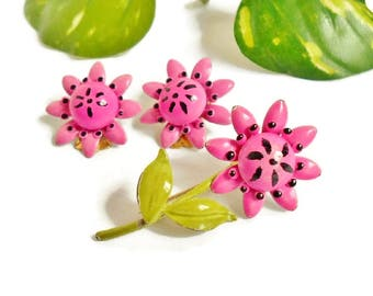 Pink Flower Brooch Matching Earrings Vintage Jewelry Set Demi Parure, Little Pink Daisies Pin and Clip on Flower Earrings