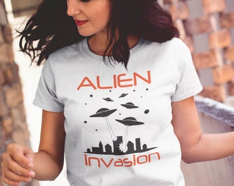 ALIEN INVASION Women Aliens UFO T-Shirt