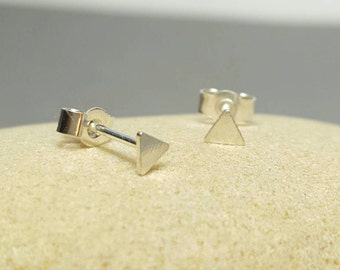 Tiny triangle stud earrings / Sterling silver earrings /  geometric post earrings / Modern triangle earrings / Karmasilver UK
