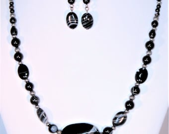 Black striped agate necklace and earrings set