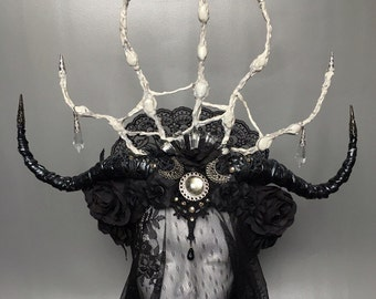 Crown of Lilith - crown with bones - crown with horns - crown with roses - headpiece with horns - headpiece with roses - gothic headpiece