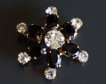 Vintage Brooch, Black and Clear Rhinestones // Vintage Jewellery.