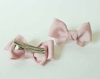 Baby Girl Handmade Grosgrain Bow Hair Clip Set up to 36 months Baby Girl Gift Hair Accessories