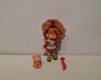Vintage Strawberry Shortcake Doll With Her Pet Custard the Cat Kenner 1980s