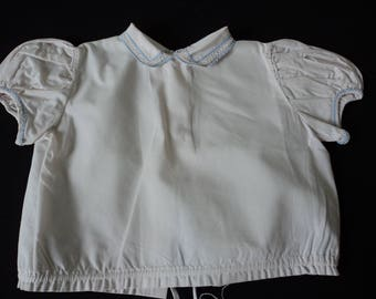 French vintage beautiful white linen babies blouse  (04713)
