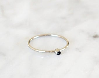 R1009 - New Silver / Rose Gold Single Stone Bezel Size 5 Ring