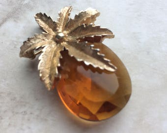 Vintage Sarah Coventry Pineapple Brooch