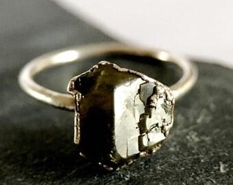 Tsavorite Garnet, Rough Gemstone,  Electroformed Fine Silver, Unique Handmade Ring. Ring size R 1/2, US size 9.