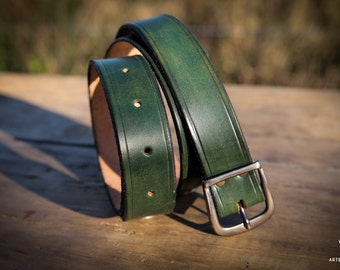 Green leather belt metal motif