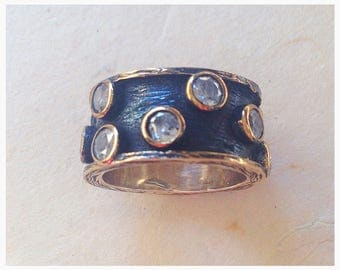 Free shipping / black Silver ring with zircon stones