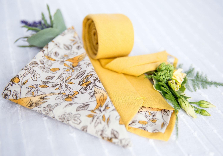 Yellow skinny tie