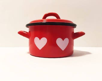 Heart Red Enamel Pot with Lid