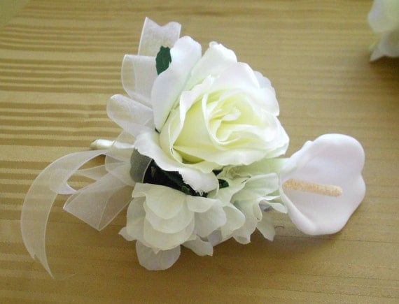 Corsages ser of 6 roses and hydrangeas ivory and white