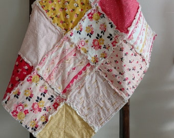 On SALE/Ready to Ship/35x35in Baby/Crib Rag Quilt/Blanket/Riley Blake Vintage Daydream/handmade