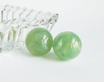 Vintage 1970s Marbled Celadon Green Round Lucite Focal Beads