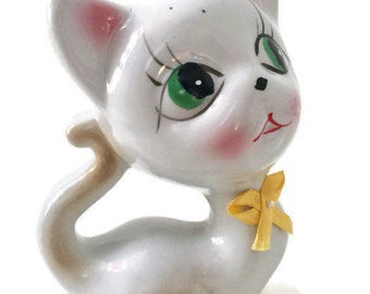 Vintage Big Eyes Cat Ceramic Figurine, Hand Painted (c.1980s).