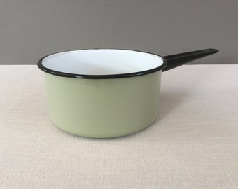 Vintage Green Enamel Pot - Enamelware - Saucepan - Cottage Cookware - Camping - Enamel Pan