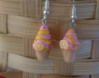 Fun little cupcake earrings