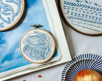 Embroidery hoop Leaves