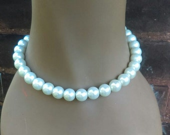 String of Pearl Choker