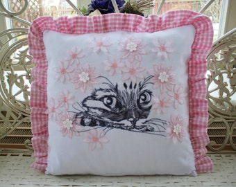 Pillow case with cat embroidery motif