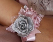 Wedding rose Corsage,Light pink silver flower Wrist Corsage,baby Girl Toddler flower Corsage,little girl Bridesmaid Corsage,Roses Bracelet