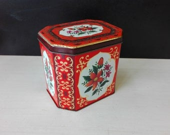 Vintage tea tin, flowered