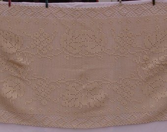 Vintage 100% cotton, handmade tablecloth. Crochet. Beautiful pattern. Made with care and love.