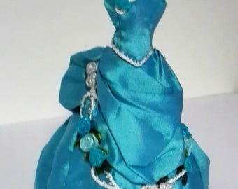 Victorian dress in blue, removable, scale 1:12