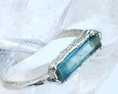 Raw Aquamarine Ring,  Blue Crystal Ring, Rectangle Ring,  Silver Aquamarine Ring,   Raw Crystal Ring, Crystal Healing Ring, Communication