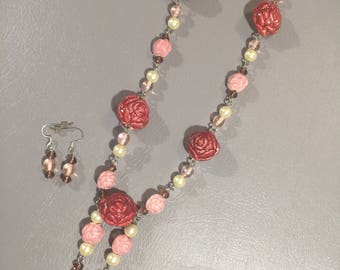 Rose and pearl set
