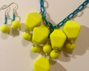 Blue and yellow big bead set
