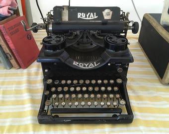 1920's Royal Typewriter