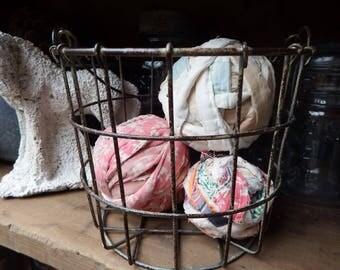 Rag Balls, Old Quilt Rag Balls, Primitive Fabric Decor, Primitive Country Decor, Farmhouse Decorating, Prim Bowl Fillers, Old Quilt Decor