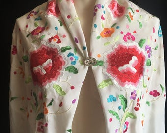 Vintage 1920's  Embroidered Piano Shawl/Scarf/Embroidered Roses