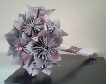 bouquet origami kusudama (linen white and pink with Rhinestones)