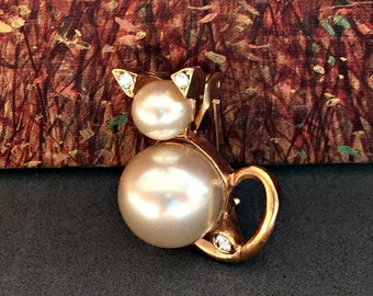 Pearl Kitten Brooch, Pearl and Rhinestone Brooch, Cat Brooch, Pearl Cat Brooch