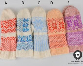 Woolen mittens, woolen gloves, warm mittens, knitted mittens, winter gloves, winter mittens, mittens with snowflakes, bright mittens